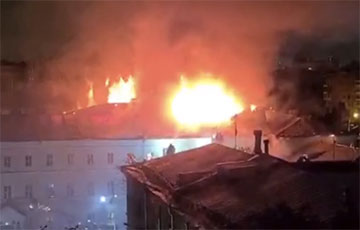 В Москве произошел масштабный пожар в общежитии Военного университета