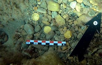 Дайверы обнаружили клад с золотом у берегов испанского острова