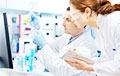 Иммунолог и биолог назвали главный канал передачи коронавируса