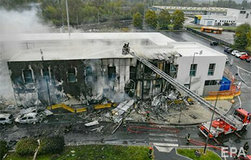 В Милане румынский миллиардер управлял самолетом, который врезался в двухэтажное здание