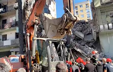 В Батуми обрушился пятиэтажный жилой дом