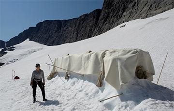 В Швеции ледник укрыли в «одеяло»