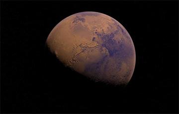 На Марсе обнаружили следы древнего озера