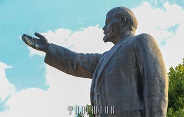 В разгар 4-й волны COVID-19 власти Гомеля озабочены ремонтом памятника Ленину