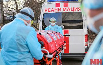 «Это какое-то цунами»: белорусский врач рассказал жуткие подробности о четвертой волне коронавируса