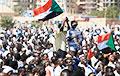 У Судане пратэстоўцы масава выходзяць на вуліцы