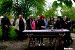 Сотни человек провожают героя Беларуси Витольда Ашурка в последний путь4