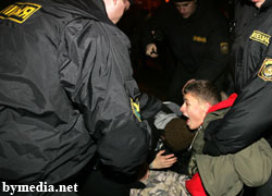 """Riot policemen brutally assaulted participants of rally """"For Independent Belarus!"""" (VIDEO)"""