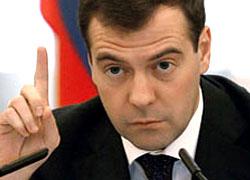 Медведев уже популярнее Путина
