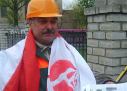 Trade union activist sacked for giving interview