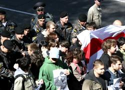 1 мая ОМОН разогнал акцию солидарности в Минске (Фото, видео)