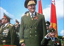 Военный парад в Минске принимал Коля с папой (Фото)