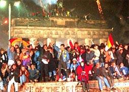 Триумф свободы: 20 лет назад пала Берлинская стена (Фото, видео)