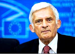 Jerzy Buzek: Ice hockey championship in Belarus is a mistake