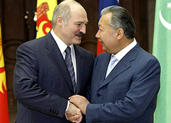 Kyrgyzstan authorities: Bakiev has to come for his pension himself