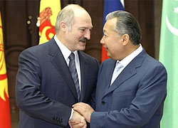 "Lukashenka's ""guest"" Bakiyev sentenced to 25 years in prison"