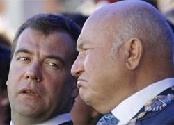 Уволив  одного «Лу»,  Медведев передал привет другому