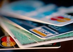 Белорусам в «Акрополисе» приходится расплачиваться несколькими картами