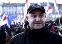 Узник СИЗО КГБ Дмитрий Бондаренко почти обездвижен