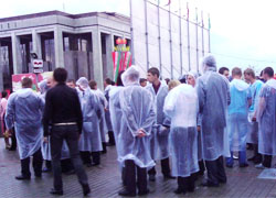 Minsk: Dancing in the rain with riot police and brutal arrests (Photo, video)