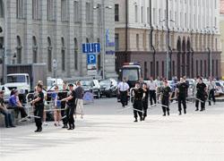 Паранойя: ОМОН оцепил центр Минска (Видео, фото)