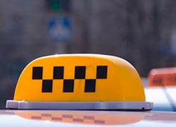 Таксисты планируют поднять цены