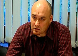 Human rights activist Valyantsin Stefanovich returns to Belarus