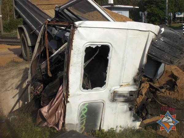 Авария произошла 20 сентября днем вблизи деревни Заболотье Минского района.  Водитель грузового автомобиля неудачно...