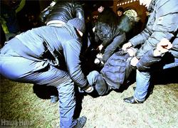 Годовщина Площади: Снова брутальный разгон и массовые аресты (Фото, видео)