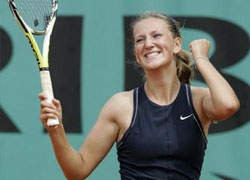 Azaranka goes through to Australian Open quarter-final