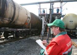 «Белнефтехим»: Россия не может контролировать экспорт бензина из Беларуси