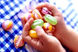 С Мясниковича спросят за блокировку украинских конфет