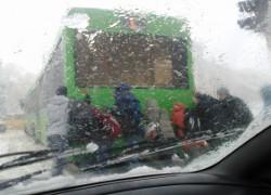 20130316 sneg avtobus t Будем, как Дюма и Чехов