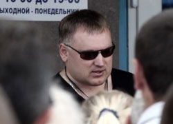 Анатолий Шумченко: Дешевле заплатить 100$, чем закупаться в Беларуси