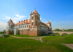 Олигарх Чиж отказался от гостиницы и ресторана в Мирском замке