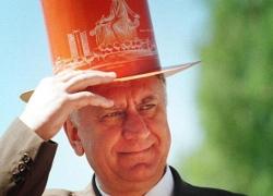 Лукашенко грозит «отвинтить голову» правительству