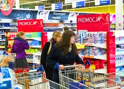 «Rzeczpospolita»: У беларусаў ужо няма грошай на «закупы» ў Польшчы