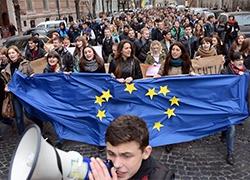 «Беркут»  зачистил Евромайдан в Киеве (Видео)
