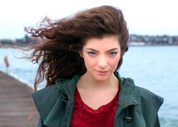 New Zealand singer Lorde wins two Grammys