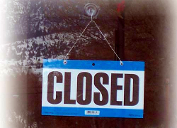 Паника в Казахстане: обменники парализованы, магазины закрыты
