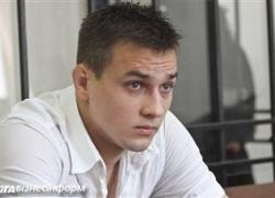 Вадим Титушко защищает демонстрантов от «титушек»