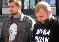 Two opposition activists detained in Minsk