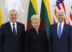Biden: US to protect Lithuania and Latvia under attack