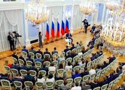 Правительство России объявило о стагнации экономики и ослаблении рубля