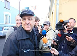 Mikalai Autukhovich gets permission to go to Minsk for treatment