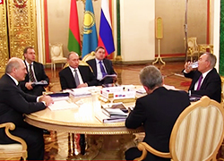 Lukashenka: EEU moving to political and military integration