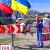 Военная техника и охотники охраняют въезды в Киев