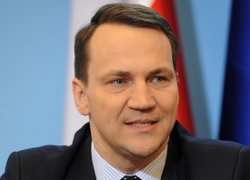 Sikorski to Putin: Tell me in what shop Buk system can be bought