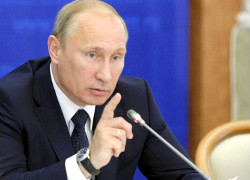 Putin threatens West and fears coup