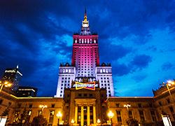 Самае высокі будынак Варшавы стаў бел-чырвона-белым